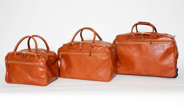 <strong>Felisi|フェリージ</strong><br />「ヘリテージ・コレクション」のボストンバッグ 左から、モデル「20272」21万600円、モデル「20181」25万9200円、モデル「20190」31万8600円