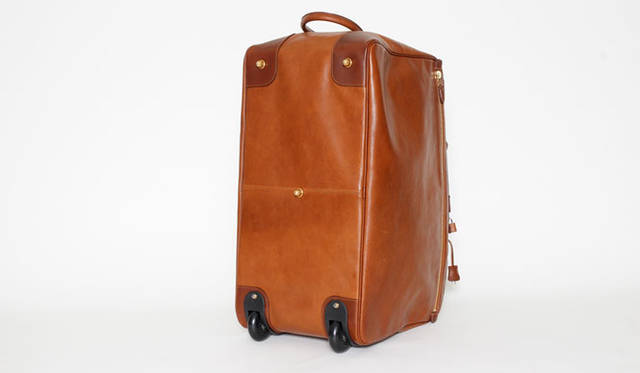 <strong>Felisi|フェリージ</strong><br />「ヘリテージ・コレクション」のボストンバッグ