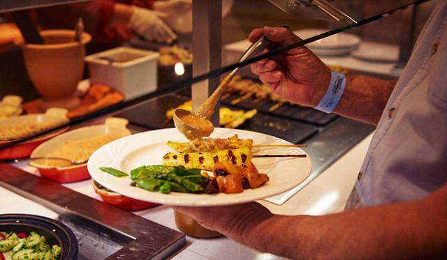 「アリア」内のタイ料理レストラン「レモングラス」も出店。サテーが人気だった
