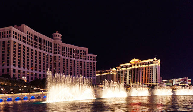 「ベラージオ」の有名な噴水ショー