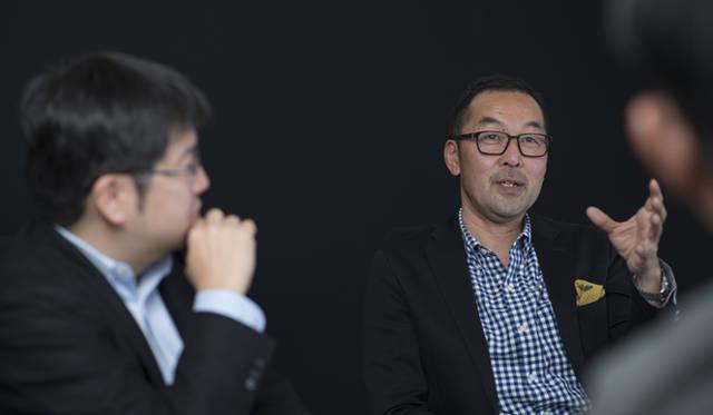 小川フミオ氏(右)