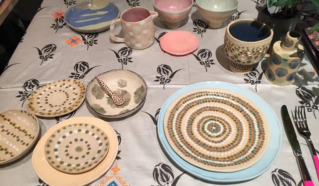 <strong>Bazar et Garde-Manger バザー・エ・ガルド-モンジェ</strong><br />アーティストの新作陶器