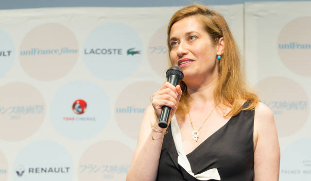今年のフランス映画祭に団長として来日した、女優のエマニュエル・ドゥヴォス氏