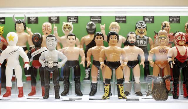 <strong>MEDICOM TOY|メディコム・トイ</strong><br />「MEDICOM TOY EXHIBITION &#8217;15」 ソフビ タイガーマスクシリーズ、ファイティングシリーズ、ワールドチャンピオンシリーズ、N・S・C RE-BORNシリーズ<br />&#169; 2015 WWE. All Rights Reserved. <br />&#169; ゆでたまご<br />&#169; リキエンタープライズ<br />&#169; REAL JAPAN<br />&#169; NJPW<br />&#169; 梶原一騎・辻なおき/講談社・東映アニメーション