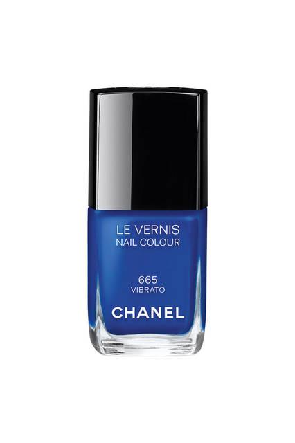 <strong>CHANEL|シャネル</strong><br />「Blue Rhythm de Chanel(ブルー リズム ドゥ シャネル)」 ネイルエナメル「ヴェルニ #665 ヴィブラート」(新色)3240円