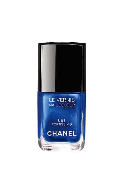 <strong>CHANEL|シャネル</strong><br />「Blue Rhythm de Chanel(ブルー リズム ドゥ シャネル)」 ネイルエナメル「ヴェルニ #681 フォルティッシモ」(限定色)3240円