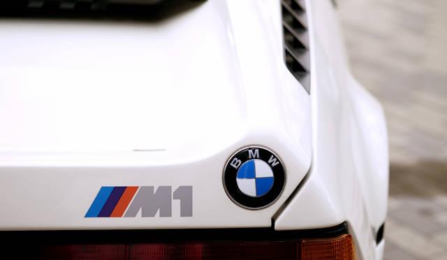 車両|BMW「M1」<br>撮影協力|NPO法人ToSCA(魔方陣スーパーカーミュージアム<br>撮影機材|FUJIFILM X-T10