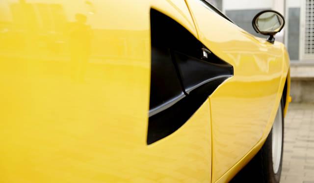 車両|ランボルギーニ 「カウンタック LP400」<br>撮影協力|NPO法人ToSCA(魔方陣スーパーカーミュージアム<br>撮影機材|FUJIFILM X-T10
