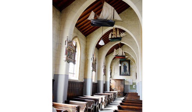 その土地ならではの教会の飾りつけには、歴史がキチッと刻まれている。漁から無事に戻ってきますようにという願いを込めて