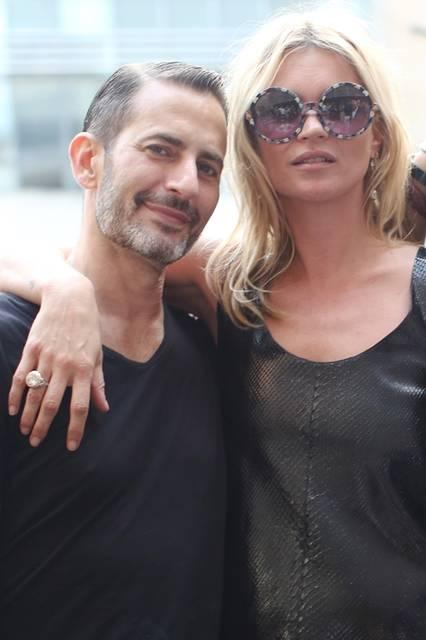 (左より)Marc Jacobs & Kate Moss|マーク・ジェイコブス&ケイト・モス