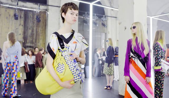 「EMILIO PUCCI(エミリオ・プッチ)」は、あらたなデザイナーを迎えたコレクションで、プレゼンテーションを披露した<br/>PHOTO: Vanni Bassetti