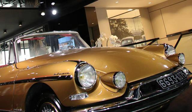 2階はオリジナルDSの展示コーナー。これはアンリ・シャプロンによるスペシャル・コーチワークで、1960年「クロワゼット」