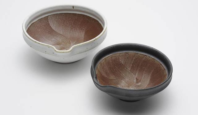 <strong>LIVING MOTIF|リビング・モティーフ</strong><br />「日本の道具 ~自然素材を生かしたものづくり~」 山只華陶苑(すり鉢)