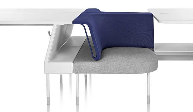 <strong>Herman Miller|ハーマンミラー</strong><br />デザイナー:イヴ・ベアール「Public Office Landscape(パブリックオフィスランドスケープ)」 ソーシャルチェア1脚21万8052円~