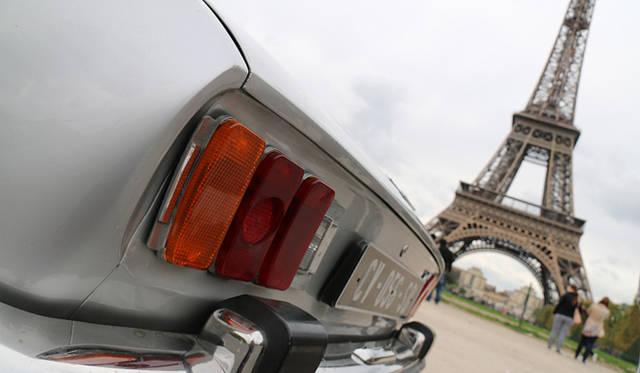 今日のプジョーにモティーフとして使われている3連テールランプは、504クーペ/カブリオレが発祥。