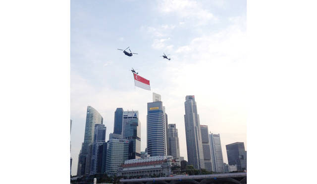 <strong>National Day</strong><br> 日程|8月7日(金)〜10日(月)<br> 入場料|無料<br> 会場|Padang、Marina Bay、Gardens By The Bay、Esplanadeほか<br /> http://www.ndp.org.sg<br /> <br> Photographs by HARA Takao (Singapore)
