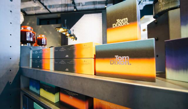 TOM DIXONがホームウェアコレクションのなかでも力を入れているディフューザー。「TOM DIXON SHOP」にも多彩なディフューザーが並ぶ