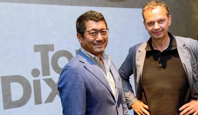 トム・ディクソン氏と旧知のデザイナー、奥山清行氏もオープン前のレセプションに訪れ、「TOM DIXON SHOP」が東京にできたことを喜んでいた