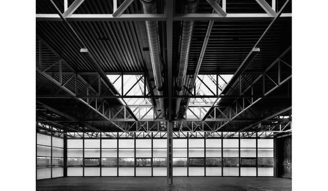 USMのためにフリッツ・ハラーが設計したガラスとスティールで組み上げられた鉄骨モジュラー建築システムの工場