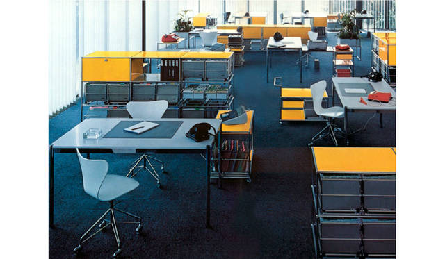 """1965年当時のUSM新オフィス""""The Pavilion""""。はじめて製造されたUSMハラーが設置されている"""