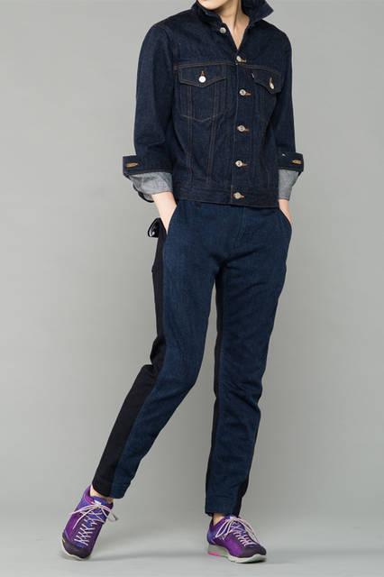 "<strong>WOMEN'S SPORT STYLE</strong><br />デニムのジャケットとパンツを使ったメンズライクな着こなし。シティトレッキングで足もとを外して、アクティブなムードを作り出す。 <br /> <a href=""/gallery/1321766/41"" class=""link_underline"">靴 1万8360円</a>"