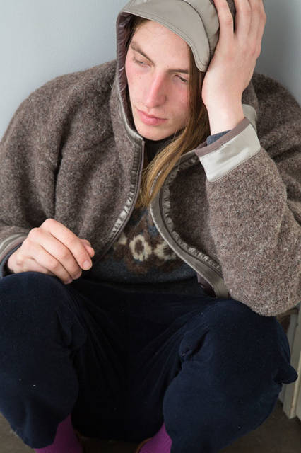 <strong>doublet|ダブレット</strong><br /><strong>2015-16年 秋冬コレクション</strong> WOOL LOOP YARN PARKA 5万1840円、EMBROIDERY PULLOVER 2万8080円、UN-FINISH VELVET PANT 2万8080円