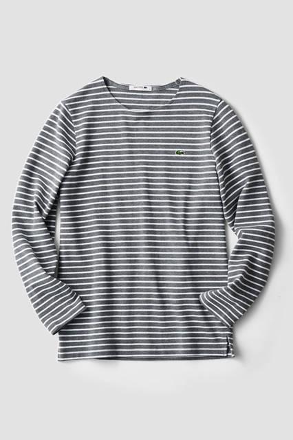 同ブランドが得意とする、鹿の子編みを施したロングスリーブカットソーは、スッキリしたシルエットでジャケットとの相性も抜群。<br /> Tシャツ9000円(ラコステ)
