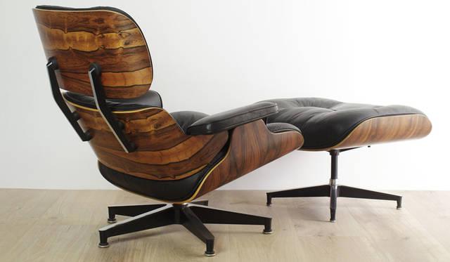 イベント「MODERNISM SHOW -モダン家具とその周辺-」 チャールズ&レイ・イームズの「Eames Lounge Chair & Ottoman」は、1990年に伐採制限のため廃番となった希少なブラジリアンローズウッドのチェア&オットマン。本革張りでクッションにはフェザーダウンが使われているため、現行品では味わえない贅沢な座り心地が楽しめる