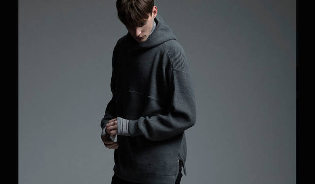<strong>REVISED|リバイズド</strong><br /><strong>2015-16年 秋冬コレクション</strong> ニットパーカ 4万7520円
