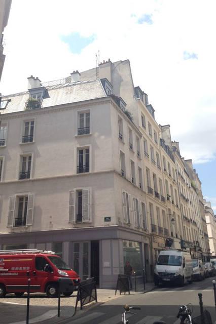 <strong>pas de calais パドカレ</strong><br />路面店「Paris Le Marais」