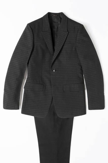 上下ともにウールを使ったブロークンスーツは、ジャケットとパンツで異なるチェックを採用。46万4400円、パンツ17万2800円/エルメネジルド ゼニア