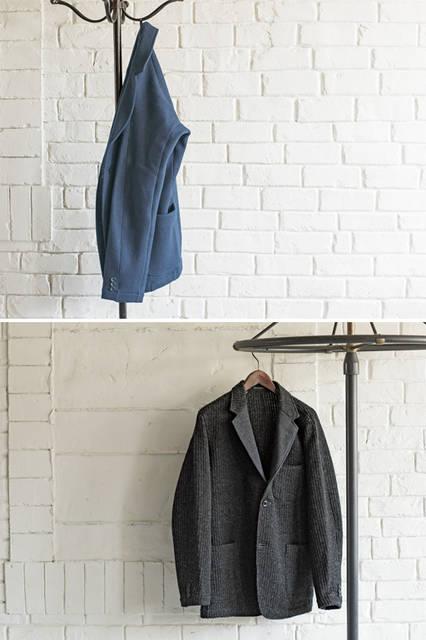 メルトンWフェイスとニット素材のジャケットはともに動体裁断+動体縫製ブランド「インダスタイル トウキョウ」とのコラボアイテム。人体の動きにフィットしながら、動きを妨げないストレスフリーな着心地が特徴だ。 <br /><br /> (写真上)ジャケット10万3680円※9月中旬〜10月上旬入荷予定/ヨウジヤマモト<阪急メンズ大阪2階・阪急メンズ東京2階> <br /><br /> (写真下)ジャケット10万1520円※9月中旬〜10月上旬入荷予定/ヨウジヤマモト<阪急メンズ大阪2階・阪急メンズ東京2階>