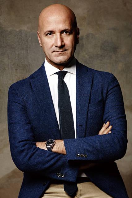 <strong>Giovanni Mannucci| ジョヴァンニ・マヌッチ</strong></br>イタリア生まれ。 アメリカ マーシー大学にて BS、ケロッグにて MBA、スタンフォードにて M&A のポストマスターを取得。14 年間のアメリカ生活の後、ファッションビジネスへ。ラグジュアリーブランドにてさまざまな職種を経験 した後、ファイナンシャル、マニュファクチャー、ブランディングや商品開発な どのマーケティングを専門に。98 年、ロンドン の Deloitte コンサルティングへ入社。2006年にはイザイアのCEOに就任。13 年 株式ファンドWiseのメンバーとなり、ボリオリのPresident&CEO に就任。