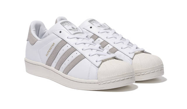 <strong>adidas Originals|アディダス オリジナルス</strong><br />「Superstar W MS」1万5120円(9月10日(木)より SHEL'TTER WEB STOREにて先行予約開始。9月18日(金)より The SHEL'TTER TOKYO 2F MOUSSY EXCLUSIVE STOREにて店頭予約開始。10月9日(金)より MOUSSY各店にて先行発売開始。本発売は10月23日(金))