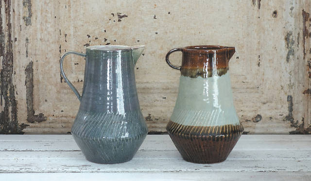 <strong>MISHIM POTTERY CREATION|ミシン ポタリー クリエーション</strong><br />pitcher 1万1000円(税抜)