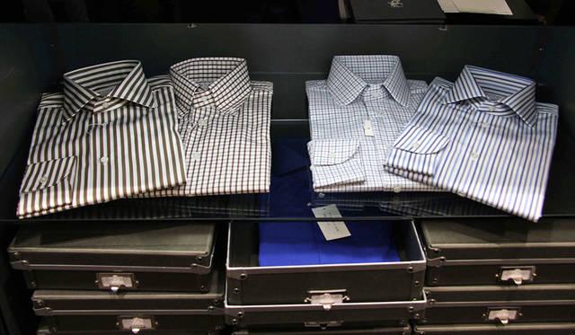 <strong>土井縫工所</strong><br />阪急メンズ大阪 1階 メンズアクセサリーズフロア「土井縫工所 Made To Measure Shirts Shop(常設店)」