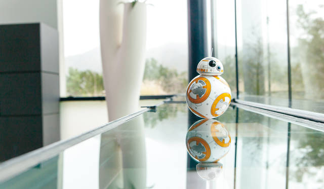 <strong>sphero スフィロ</strong><br />「BB-8&#8482;」 &#169; & &#8482; Lucasfilm Ltd.