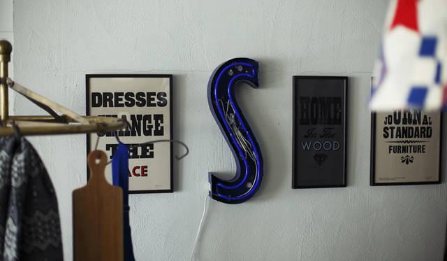 <strong>journal standard Furniture|ジャーナル スタンダード ファニチャー</strong><br />会期中の9月20日(日)には主宰のステファン ケニー氏が来場し、オリジナルのポストカードを作るワークショップを開催する