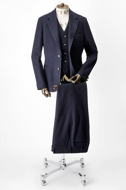 「The Stylist Japan × TAKEO KIKUCHI」スリーピース ジャケット7万2360円、ベスト3万6720円、パンツ3万1320円