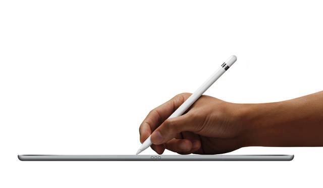別売のApple Pencilでの操作に対応。筆圧を体現するスムーズな描きき心地で、鉛筆のような感覚で手書きができる