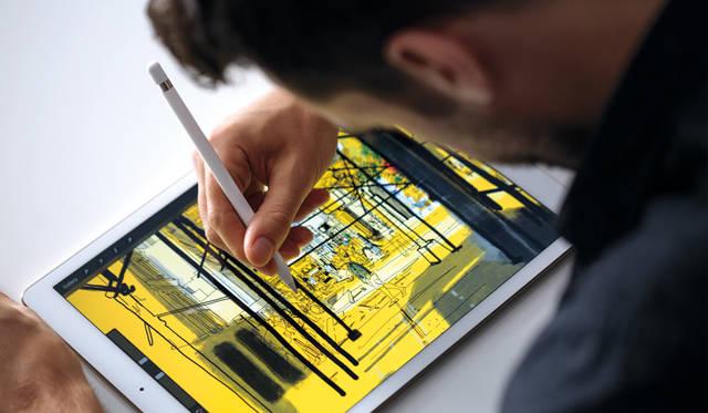 別売のApple Pencilでの操作に対応。これまでペンタブレットでしか実現できなかった、精彩な描き味でキャンバスやノートのようにiPadを使うことができる