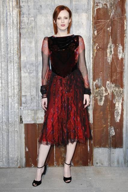 <strong>Karen Elson|カレン・エルソン</strong><br /><br /> ジバンシィ バイ リカルド ティッシのショー会場・ニューヨーク