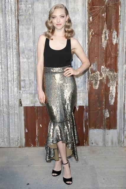 <strong>Amanda Seyfried|アマンダ・サイフリッド</strong><br /><br /> ジバンシィ バイ リカルド ティッシのショー会場・ニューヨーク