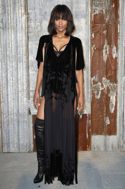 <strong>Ciara|シアラ</strong><br /><br /> ジバンシィ バイ リカルド ティッシのショー会場・ニューヨーク