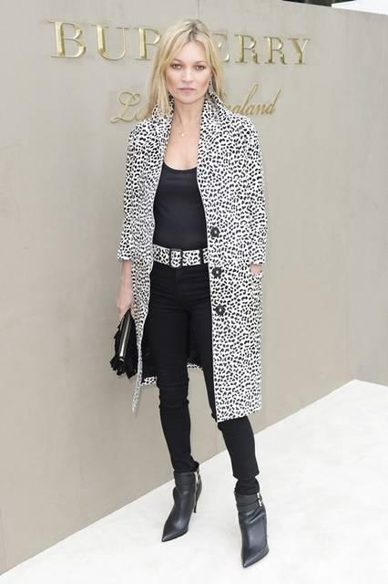 <strong>Kate Moss|ケイト・モス</strong><br /><br /> バーバリー プローサムのショー会場・ロンドン