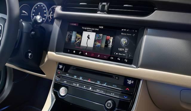 10.2インチ静電式タッチスクリーンの「InControl Touch Pro」は、スマートフォンのような操作が可能