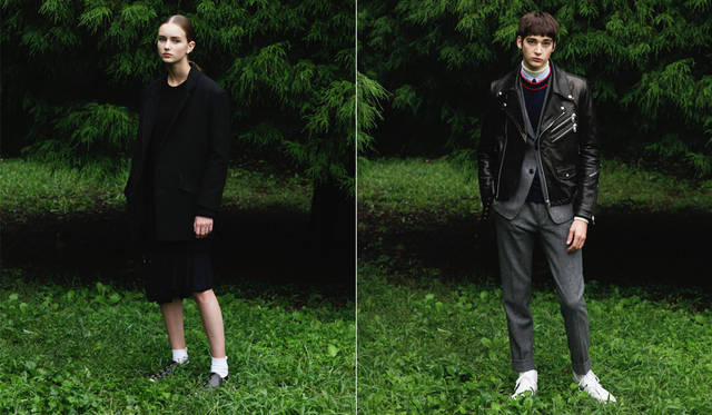 <写真左>ざっくりとしたウール素材のジャケットはオーバーサイズのデザインに。インナーはボンテージを想起させるエラスティックベルトが随所にデザインされた、レーヨン素材のワンピース。「コクーンシルエットのジャケットが今の気分に合っています。ローポジションにアクセントが来るよう、ワンピースを中心として黒のレイヤードスタイルにしています。(丸山氏)。</br> ジャケット12万6360円、ワンピース5万8320円、スカート4万5360円、ニット3万7800円、スニーカー5万9400円、ソックス<スタイリスト私物>(すべてディーゼル ブラック ゴールド)</br> <写真右>スリムなセットアップの上にゴートレザーのライダースをレイヤード。英国生まれのヘリンボーン素材に黒レザーという組み合わせが斬新。「東京特有だと思っていたレイヤードの手法が、海外ブランドのショーでも数多く取り上げられています。ライダースをセットアップの上に重ねたこちらは、まさにその代表例」(丸山氏)。</br> レザージャケット19万9800円 ※左胸のジップデザインは仕様変更予定、ジャケット10万5840円、パンツ5万760円、シャツ3万8880円、クルーネックニット3万7800円、タイ1万9800円、タートルネック<スタイリスト私物>(すべてディーゼル ブラック ゴールド)