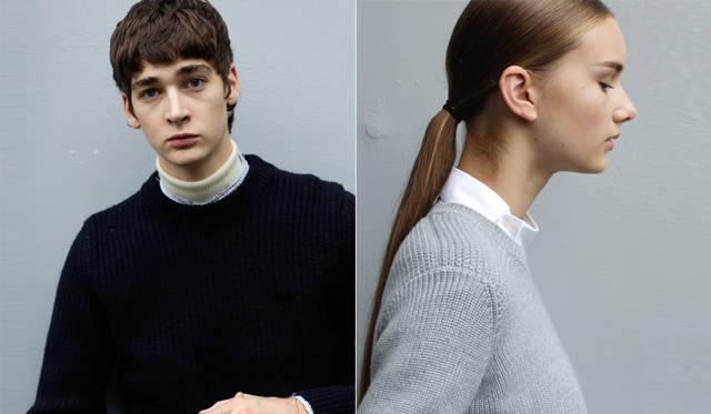 <写真左>縮絨加工によって、ぎゅっと目を詰まらせたウールニットは、随所に穴を開けたデザイン。上襟をカットオフしたグラフチェックのシャツを挟んだ、ニット・オン・ニットで着こなしている。「穴あきのデザインを目立たせるためにも、下に白アイテムを加えることがポイントです。P.I.Lのジョン・ライドンのような雰囲気も感じさせる、パンキッシュさが魅力のアイテムですね」(丸山氏)。</br> ネイビーニット5万9400円、シャツ3万5640円、タートルネック<スタイリスト私物>(すべてディーゼル ブラック ゴールド)</br> <写真右>少し青みがかったグレーのミドルゲージニットに、アシンメトリーな合わせの白いシャツを組み合わせた。こうしたギミックあるデザインが知的な遊び心を感じさせる。「今回のスタイリングでは、白いニットとソックスを多用しました。主張の強いデザインと黒がキーカラーになる今季のディーゼル ブラック ゴールドに、こうした柔らかさを感じさせるアイテムが不可欠です。その点でも、こうしたネックデザインに主張がある白シャツが効果的です」(丸山氏)。</br> ニット3万7800円、シャツ3万1320円(すべてディーゼル ブラック ゴールド)