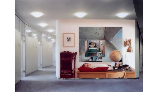 アネット シュトゥート 「記憶 」 2004 年/180 x 250 cm/C プリント © Anett Stuth / Deutsche Bank Collection