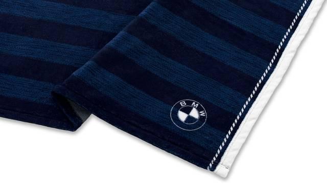 BMWのディーラーで試乗記念品として用意さえっる、コラボレーション ブランケット